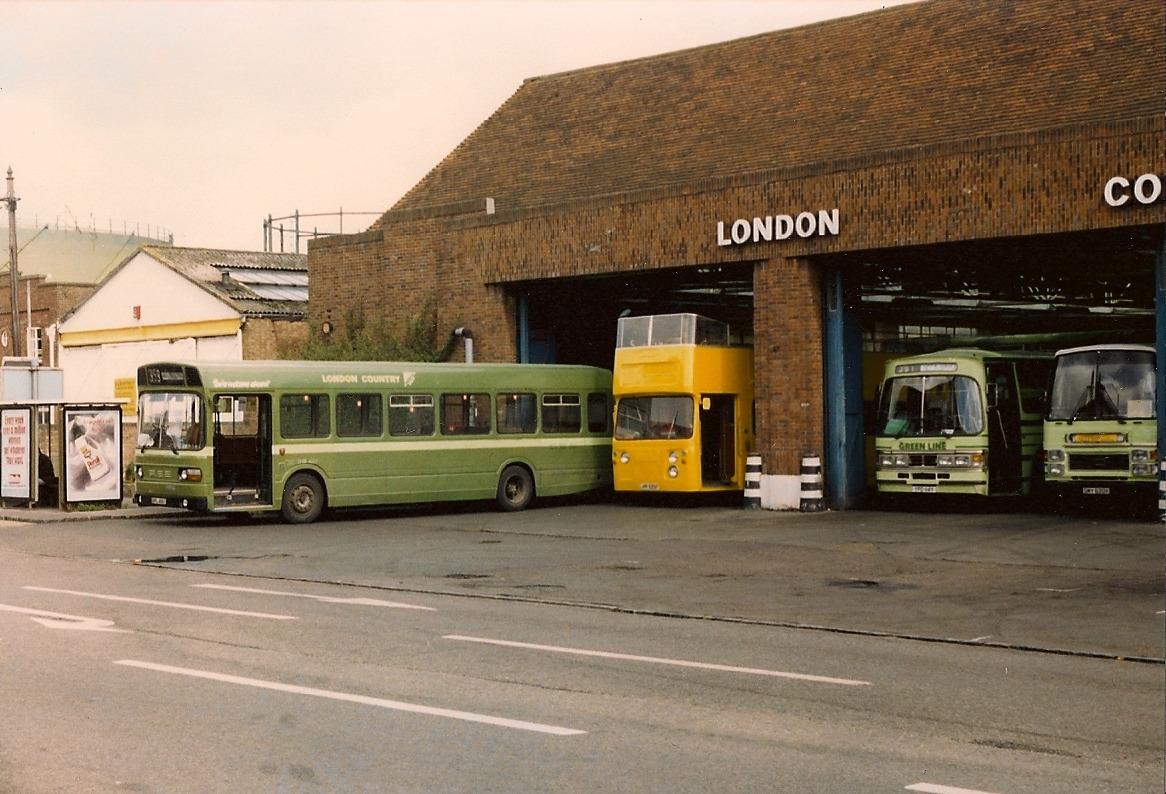 Amersham bus garage for Garage ad buc